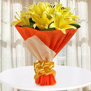 Hold The Joy Of Love - Flower Delivery in Bangalore